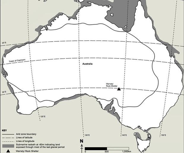Đang đi khảo sát địa hình thì muốn giải quyết nỗi buồn, người đàn ông phát hiện di tích lịch sử 49.000 năm tuổi theo cách không ai ngờ - Ảnh 3.