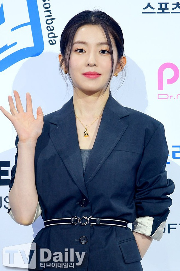 Đụng hàng với điên nữ Seo Ye Ji mà Irene chẳng hề lép vế, thậm chí còn lấn át về độ sexy - Ảnh 3.