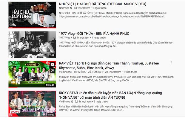 Chỉ trong 1 ngày, Rap Việt và 1977 Vlog đều bị rơi rụng thứ hạng top trending YouTube vì sự xuất hiện của nam ca sĩ lạ hoắc - Ảnh 1.