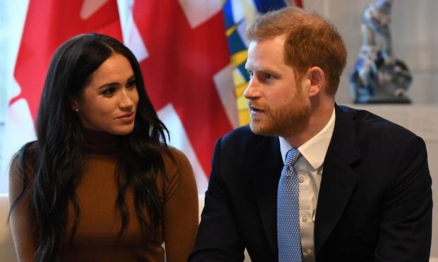 Harry và Meghan Markle rưng rưng nước mắt thực hiện chuỗi nhiệm vụ Hoàng gia cuối cùng trước khi nói lời tạm biệt gia tộc - Ảnh 1.