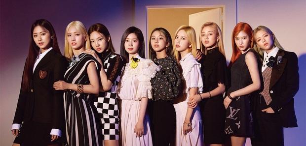 TWICE 5 lần 7 lượt bị đối xử bất công, quảng bá comeback nghèo nàn khiến fan phẫn nộ phải ra tối hậu thư với JYP - Ảnh 1.