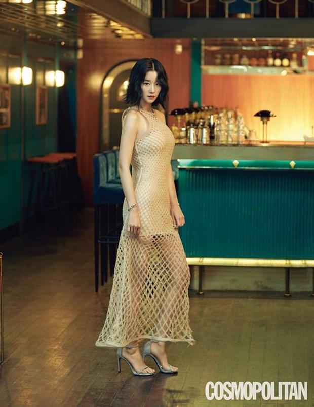 Từ 1 năm trước Seo Ye Ji đã mặc đẹp xuất sắc, diện váy xuyên thấu sexy chặt đẹp người mẫu của Dior - Ảnh 2.