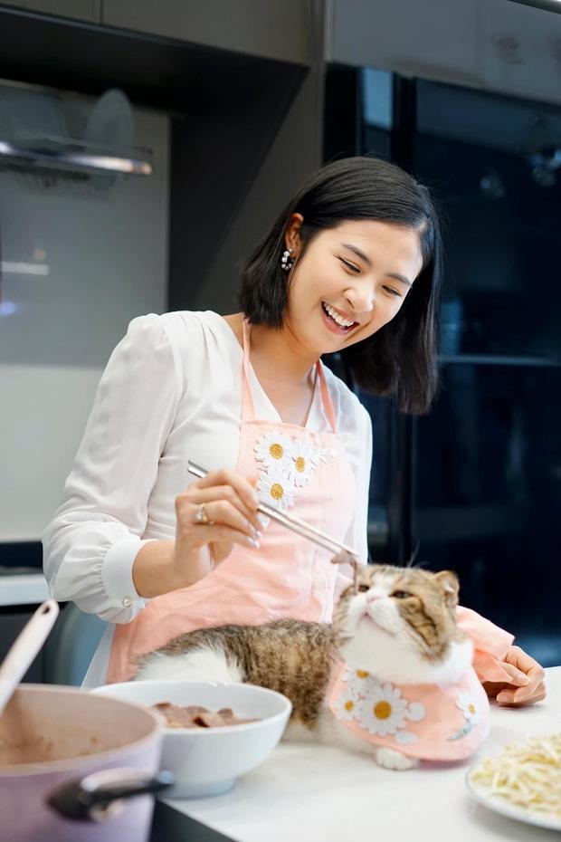 Hoa hậu không scandal Ngọc Hân sau 10 năm đăng quang: Diện mạo thay đổi ngoạn mục, bất ngờ lần lột xác cá tính mới đây - Ảnh 9.