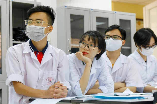 Dự báo điểm chuẩn Đại học Y Hà Nội 2020 cao hơn năm ngoái - Ảnh 1.