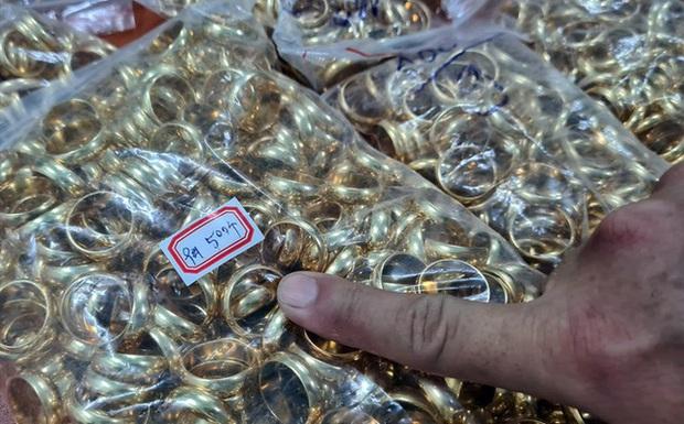 18.000 người sập bẫy nhóm thanh niên mở đường dây tặng vàng tri ân như thế nào? - Ảnh 1.
