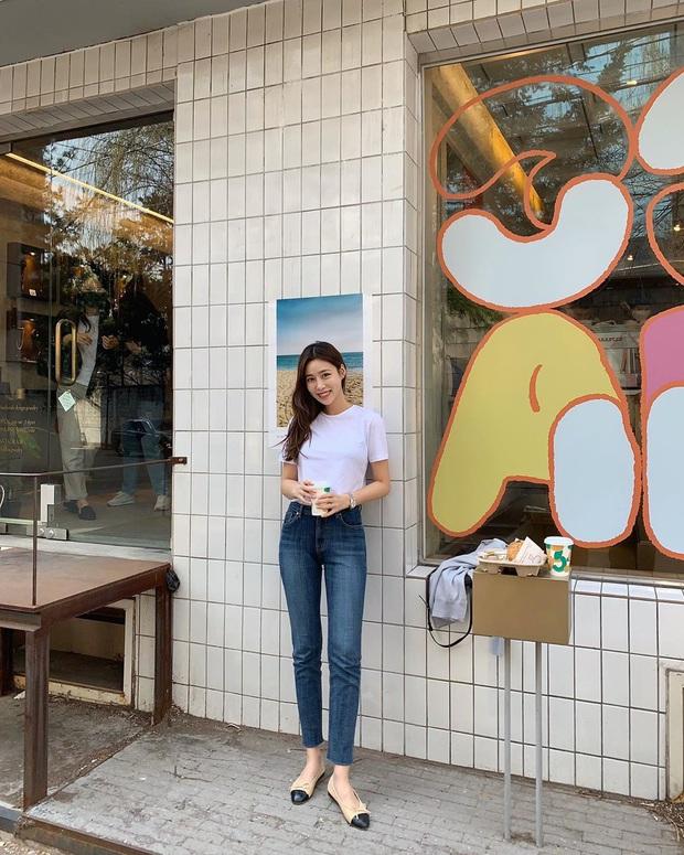 5 kiểu áo siêu hợp với quần skinny jeans, áp dụng thì chị em sẽ không bao giờ thất bại trong chuyện mặc đẹp - Ảnh 2.
