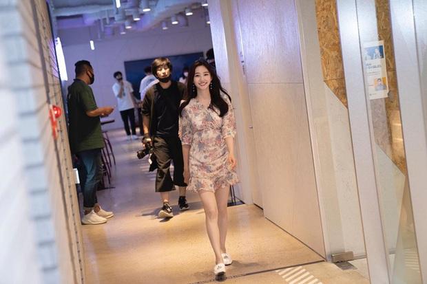 DAMWON Gaming - Đội tuyển số hưởng nhất LCK, từ nữ idol nóng bỏng đến MC duyên dáng đều trở thành fan cứng - Ảnh 4.