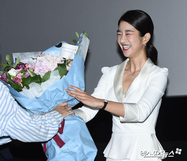 Knet đào lại ảnh cũ của Seo Ye Ji, hot tới nỗi lên top Naver: Mặt nhỏ đến khó tin, xinh đẹp chấp hết ánh đèn flash chói lóa - Ảnh 7.