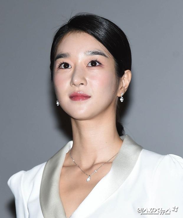 Knet đào lại ảnh cũ của Seo Ye Ji, hot tới nỗi lên top Naver: Mặt nhỏ đến khó tin, xinh đẹp chấp hết ánh đèn flash chói lóa - Ảnh 5.