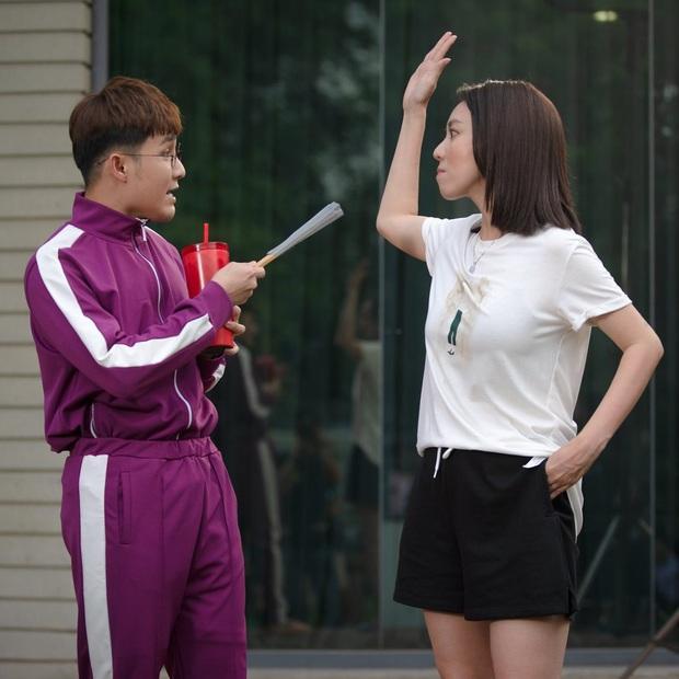 Chị Mười Ba Thu Trang lộ bụng bầu bật khóc ở hậu trường web drama Bộ Tứ Oan Gia, vụ gì đây? - Ảnh 7.