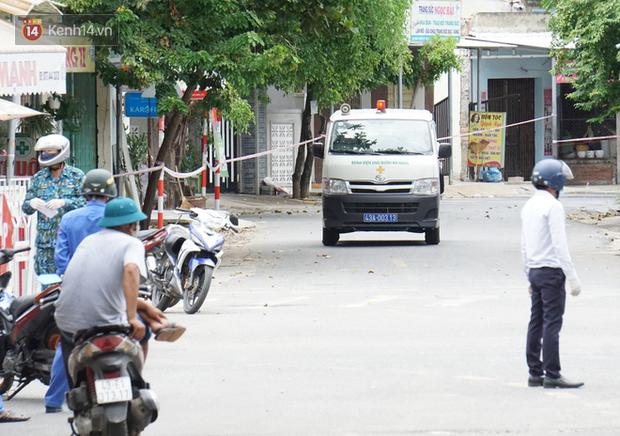 Lịch trình của 14 ca Covid-19 mới ở Đà Nẵng: Có người tiếp xúc với 7 bệnh nhân khác, người đi xe buýt, dự hội nghị, ăn liên hoan - Ảnh 1.