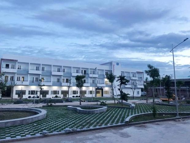 Trường chuyên ở Ninh Bình sang chảnh như resort 5 sao, đi vài bước lại ra ảnh nghìn like - Ảnh 2.
