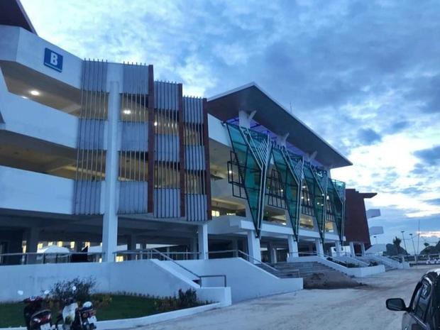 Trường chuyên ở Ninh Bình sang chảnh như resort 5 sao, đi vài bước lại ra ảnh nghìn like - Ảnh 1.