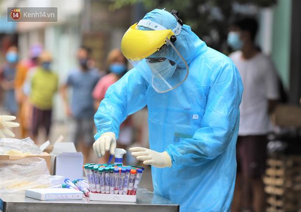 Nhiều ca nhiễm Covid-19 được công bố ở Đà Nẵng là các bệnh nhân trong khu cách ly, từng xét nghiệm âm tính - Ảnh 2.