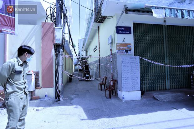 Lịch trình của 12 ca Covid-19 mới ở Đà Nẵng: Có người làm việc tại trường mầm non, người là công an tham gia trực chốt tại BV dã chiến - Ảnh 2.