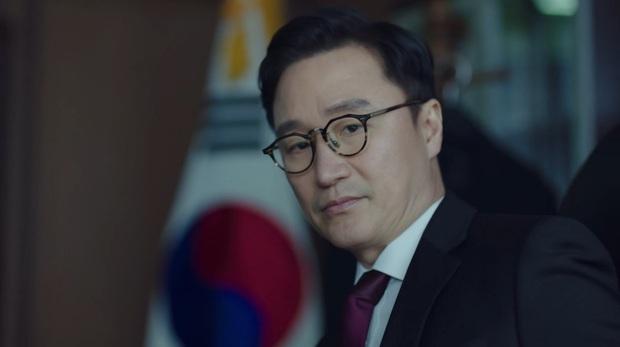 Secret Forest 2 mở màn căng đét: Ngầu nhất là màn điều tra án mạng bằng MXH của chị đại Bae Doo Na - Ảnh 9.