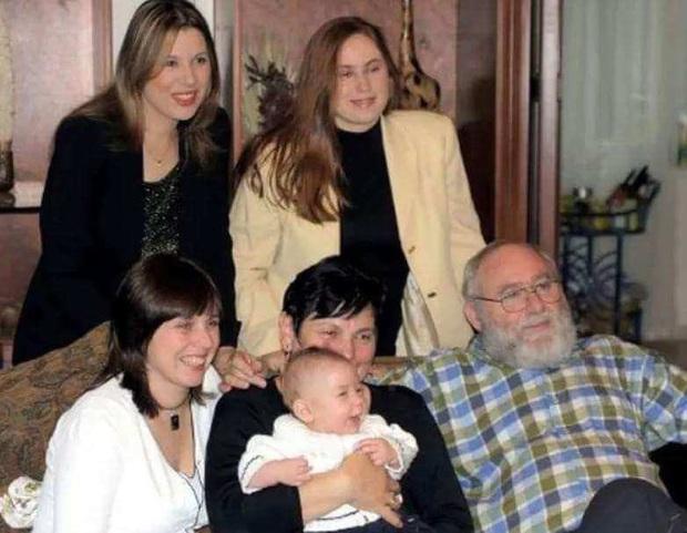 Biến 3 cô con gái nhỏ trở thành đối tượng thí nghiệm, ông bố không ngờ 30 năm sau nhận về một kết quả khó tin - Ảnh 1.