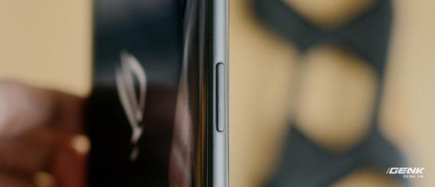 Trên tay quái vật gaming ROG Phone 3: Snapdragon 865+, màn hình 144Hz, pin 6000mAh, giá từ 14,5 triệu đồng - Ảnh 14.