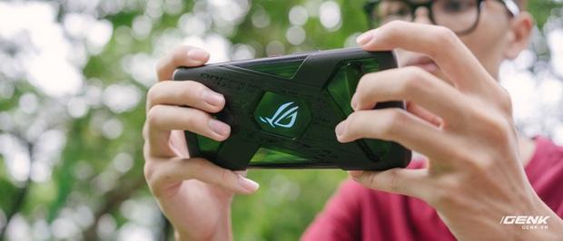 Trên tay quái vật gaming ROG Phone 3: Snapdragon 865+, màn hình 144Hz, pin 6000mAh, giá từ 14,5 triệu đồng - Ảnh 26.