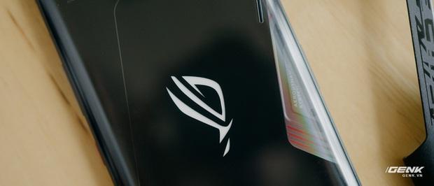 Trên tay quái vật gaming ROG Phone 3: Snapdragon 865+, màn hình 144Hz, pin 6000mAh, giá từ 14,5 triệu đồng - Ảnh 6.