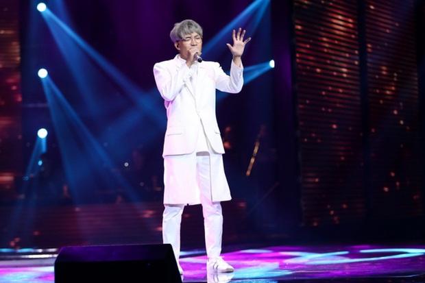 Rời công ty Đông Nhi, Anh Tú The Voice gây sốt khi trở thành ca sĩ bí ẩn hỗ trợ dàn thí sinh Rap Việt - Ảnh 9.