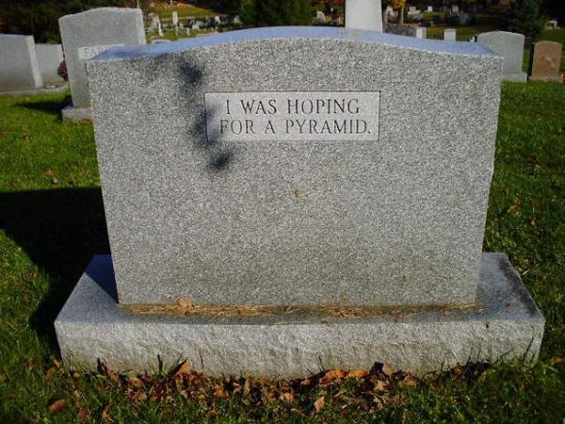 19 câu hài hước trên bia mộ của những người đã khuất nhưng độ lầy thì trường tồn cùng thời gian - Ảnh 3.