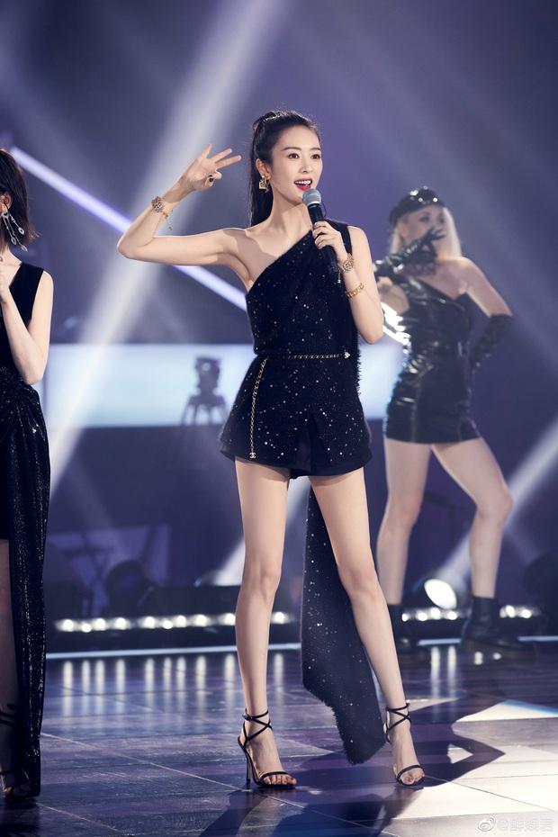 Đụng độ Jennie, nàng Cố Giai đơn giản mà sang hết sức, nhưng nhìn xuống đôi chân mới choáng váng - Ảnh 5.