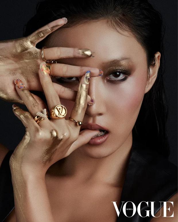 """10 idol Kpop có đôi mắt """"tam bạch"""" cực hiếm: Tưởng khuyết điểm nhưng giúp Lisa (BLACKPINK), V (BTS) nâng tầm visual - Ảnh 11."""