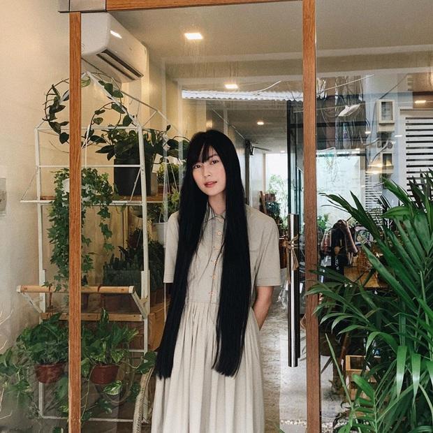 Street style tràn ngập tông màu mùa thu của sao và hot girl Việt: Toàn outfit xinh xắn sành điệu nhưng cực dễ bắt chước  - Ảnh 17.