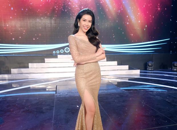 Bà bầu Thúy Vân được chồng chăm từng miếng ăn trong hậu trường show - Ảnh 8.