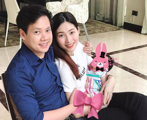 Soi tủ đồ ú ụ của các bé cưng nhà sao Việt: Đàm Thu Trang tậu cho con tủ đồ hoành tráng nhưng chưa phải là nhất - Ảnh 18.
