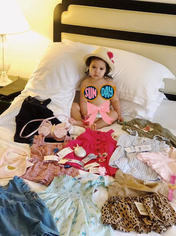 Soi tủ đồ ú ụ của các bé cưng nhà sao Việt: Đàm Thu Trang tậu cho con tủ đồ hoành tráng nhưng chưa phải là nhất - Ảnh 10.