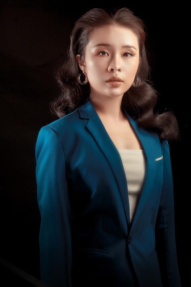Bà bầu Thúy Vân được chồng chăm từng miếng ăn trong hậu trường show - Ảnh 16.