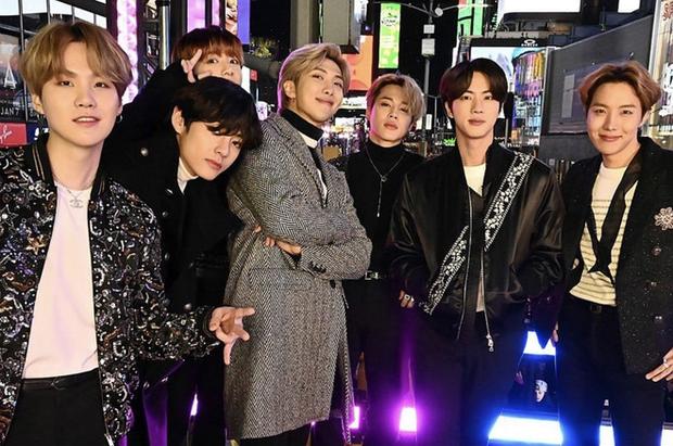 Những nghệ sĩ từng công khai đá xéo BTS: Rapper 15 tuổi gọi RM là thiểu năng nhưng gắt nhất là màn rap diss của Bobby (iKON) - Ảnh 8.