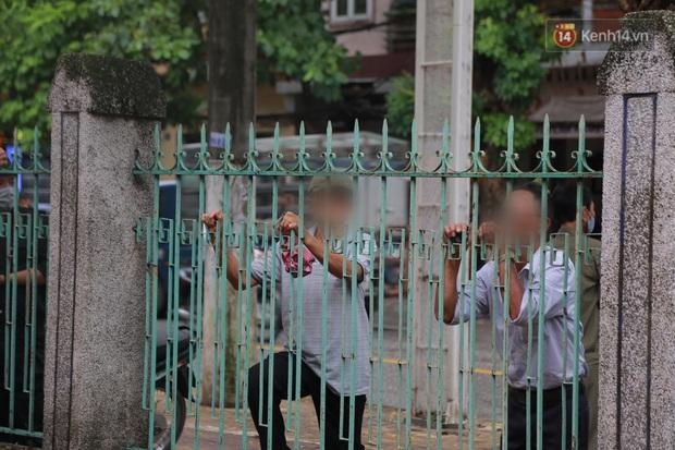 Đang xét xử vụ Đường Nhuệ đánh người tại trụ sở công an: Nhiều người dân có mặt từ sớm để theo dõi - Ảnh 9.