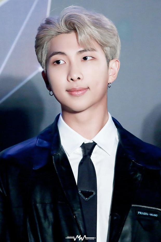 Những nghệ sĩ từng công khai đá xéo BTS: Rapper 15 tuổi gọi RM là thiểu năng nhưng gắt nhất là màn rap diss của Bobby (iKON) - Ảnh 13.