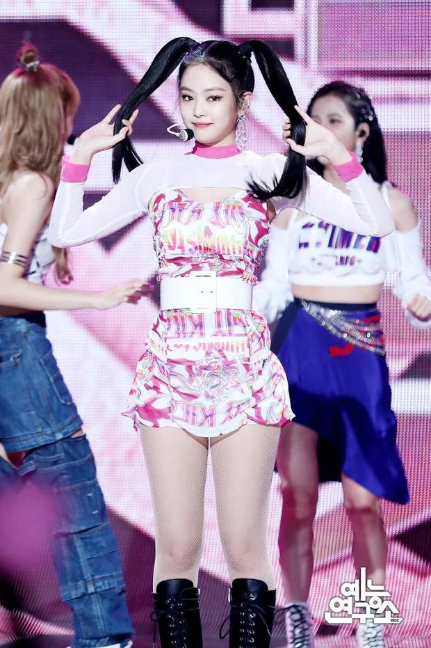 Jennie (BLACKPINK) là idol hiếm hoi hoá từ sexy sang ngây thơ trong nháy mắt, chuyên gia phân tích 4 lý do khiến fan gật gù - Ảnh 3.