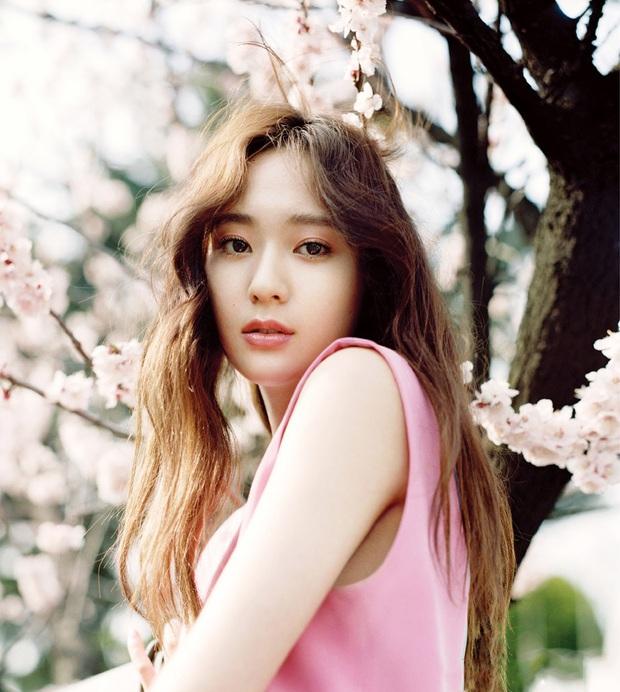 Krystal rời SM sau hơn 10 năm, fan không bất ngờ mà còn… chúc mừng, mong thành viên f(x) tìm được bến đỗ tốt hơn - Ảnh 1.