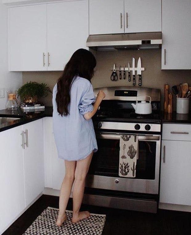 7 nơi trong căn bếp cực bẩn, chứa vô vàn loài vi khuẩn gây bệnh nhưng lại ít gia đình để tâm để vệ sinh thường xuyên - Ảnh 1.