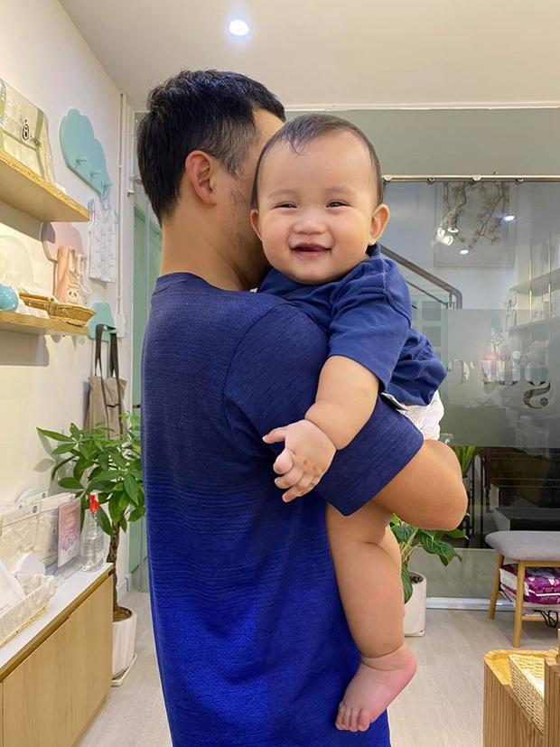 Nhiều năm sau mối tình với Hari Won, cuộc sống của rapper Tiến Đạt thay đổi 180 độ bên vợ con - Ảnh 8.
