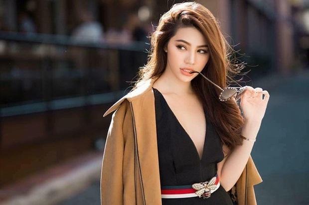 Jolie Nguyễn bất ngờ khoe nhẫn kim cương khủng ở ngón áp út kèm lời tuyên bố Em đồng ý sau 1 tháng ở ẩn - Ảnh 3.