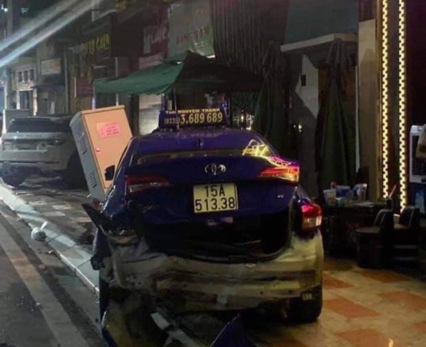 Xe Lexus gây tai nạn liên hoàn khiến 1 người tử vong - Ảnh 1.