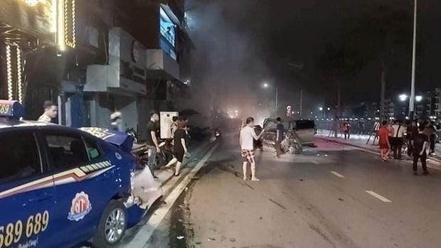 Hiện trường xe điên Lexus gây tai nạn liên hoàn khiến nữ công an phường tử vong - Ảnh 2.