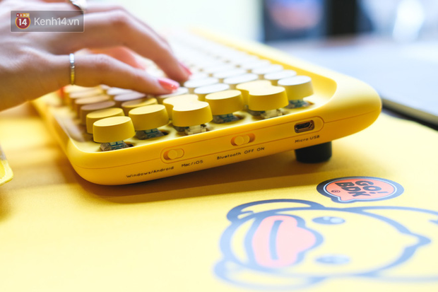 Mở hộp bàn phím cơ không dây con vịt vàng siêu đẹp mắt, quá hợp với hội chị em mê sống ảo! - Ảnh 8.