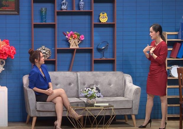 Sao hớ hênh trên sóng truyền hình: Từ Mai Phương Thúy đến Phạm Quỳnh Anh đều ngượng chín mặt vì váy áo phản chủ - Ảnh 8.