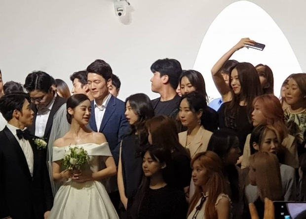 Cô dâu mới Hyelim (Wonder Girls) hé lộ dàn khách mời quyền lực trong đám cưới: Hội tụ dàn sao đình đám, TWICE xinh đẹp chẳng kém cô dâu - Ảnh 3.