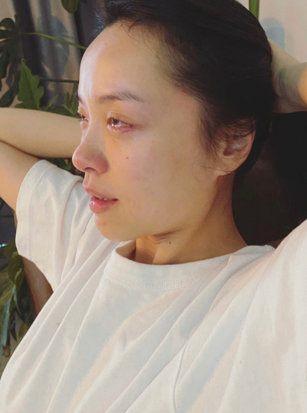 Hà Trúc xem phim Hàn khóc sưng cả mắt mà Quang Đạt lại xem như trò đùa, con trai yêu lâu rồi to gan thật - Ảnh 1.