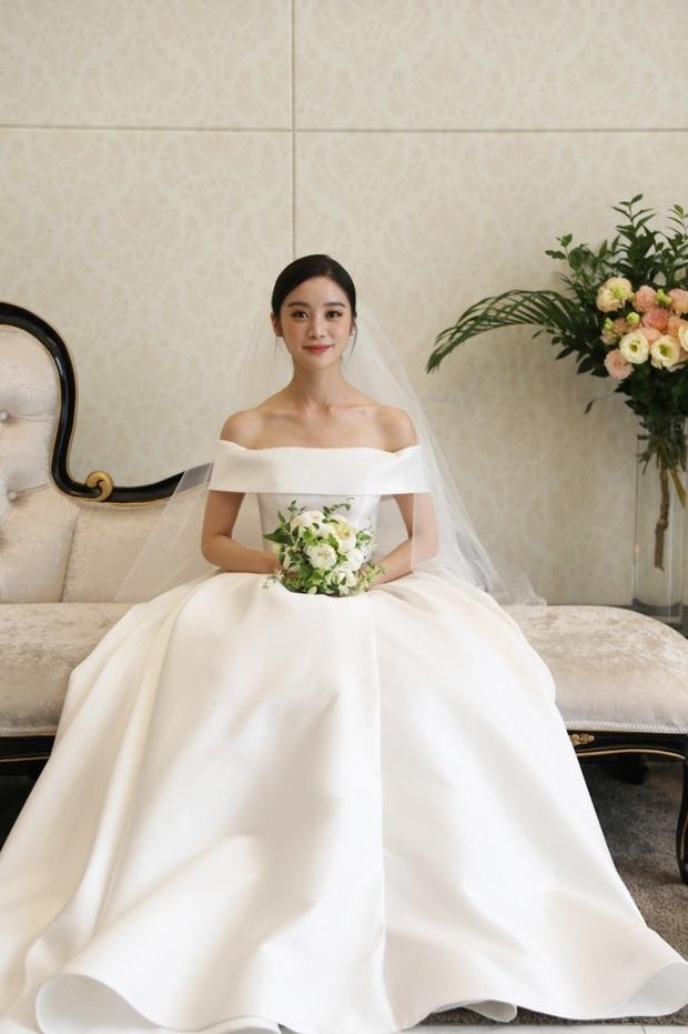 Cô dâu mới Hyelim (Wonder Girls) hé lộ dàn khách mời quyền lực trong đám cưới: Hội tụ dàn sao đình đám, TWICE xinh đẹp chẳng kém cô dâu - Ảnh 4.