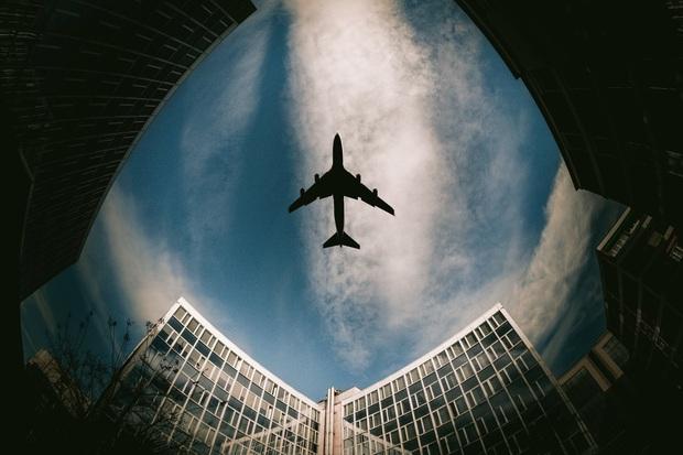 Muốn biết máy bay trên trời đi nhanh đến cỡ nào, cứ xem qua khoảnh khắc hiếm hoi này sẽ rõ! - Ảnh 5.