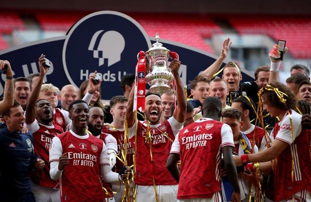Chiến binh báo đen Aubameyang tỏa sáng rực rỡ giúp Arsenal vô địch giải đấu lâu đời nhất thế giới - Ảnh 7.